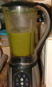 spinach green smoothie after whizzing up